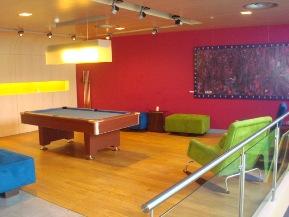 שולחן פול בלובי מלון אלופט בבריסל