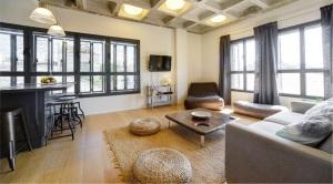 לילי & בלום תל אביב: מבט מבפנים