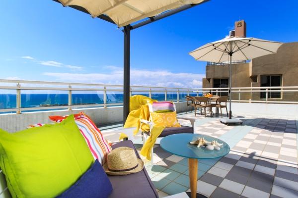 מלון לוסקי המחודש : אזור לאונג' על הגג