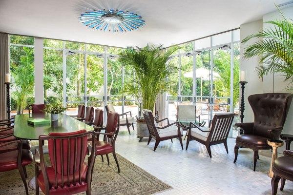 לאונג' לשימוש האורחים במלון נורמן. צילום: סיון אסקיו
